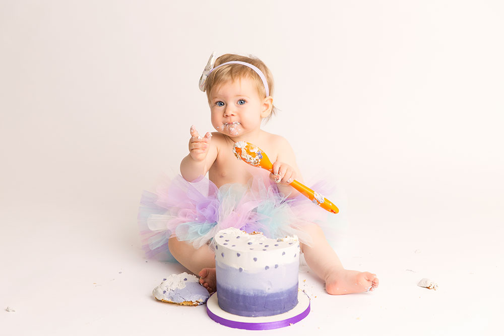 Smash Cake: An Initial Birthday Trend